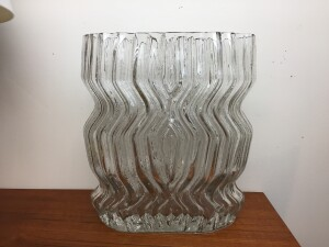 Stunning large 1960s /70s glass vase from the Studio Line series Designed by Tapio Wirkkala for Rosenthal in Germany - a perfect period piece for all those lovely garden /local flowers - excellent condition