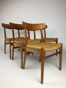 Hans J.Wegner for Carl Hansen & Son - Made in Denmark - very good vintage condition - (SOLD)