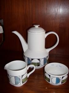 Vintage Kathie Winkle - Eclipse design -  ceramic coffee pot/creamer/sugar - (SOLD)