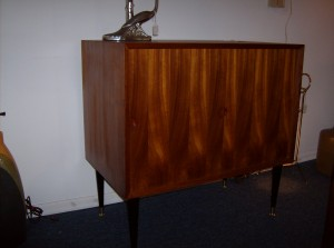 Stunning Danish teak cabinet w/sliding doors and 2 small drawers on the inside - (SOLD)