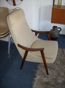 Stunning Mid-century modern high back lounge chair with beautiful teak sculptural arms and legs - upholstry is a nice neutral oatmeal colour - ONLY - $350
