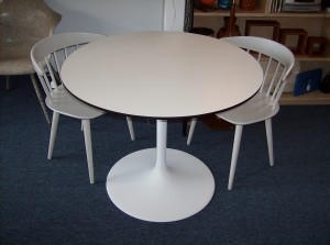 """Picture this fabulous vintage tulip table in your kitchen nook area - 36"""" diameter - (SOLD)"""