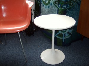 "Space-age Saarinen style 1960's tulip end table - 18"" diameter - (SOLD)"