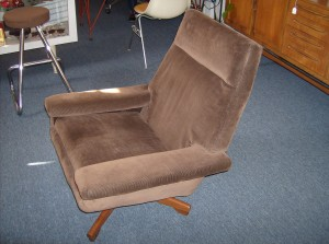 Handsome Mid-century modern lounge chair - beautiful chocolate brown corduroy fabric and a really nice teak base - light spot in pic is just the sun... Ready for this - it's only $150