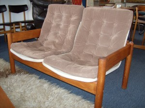"""Fantastic Mid-century modern teak loveseat with floating seat/back by Danish maker - Domino - great condition - great price - it measures 47""""length X 26"""" depth X 14.5"""" to the seat deck - (SOLD)"""