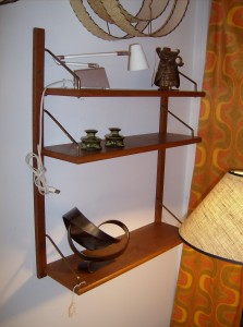 Impressive small teak cado unit - consists of 3 beautiful teak shelves - perfect for small spaces - (SOLD)