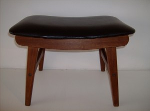 Handsome vintage teak w/black vinyl foot stool - all comfy chairs need a stool - (SOLD)