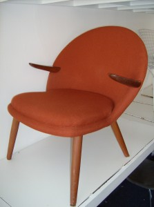 Outrageously cool Mid-century modern teak/burnt orange wool easy chair - not sure yet who designed it, but will ad when I do.... excellent condition - (SOLD)