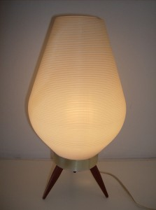 Super cute 1960's tripod table lamp - perfect for your bedside - really good condition - nice white ribbed plastic pod shade on top of a metal base w/3 wooden legs - (SOLD)
