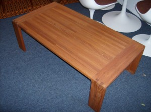 Fantastic SOLID teak coffee table - beautiful warm color - excellent condition - (SOLD)
